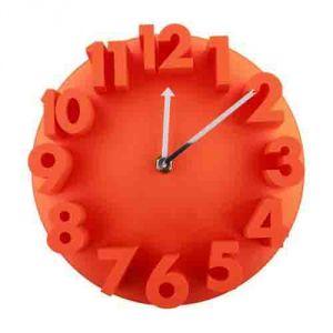 Часы  с объемными цифрами