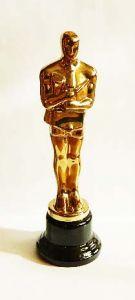 """Оскар """"Бизнесмен"""" (32см)"""