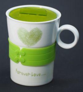 """Кружка с силиконовой зеленой вставкой """"Сердце"""""""