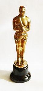 Оскар с весами (32см)